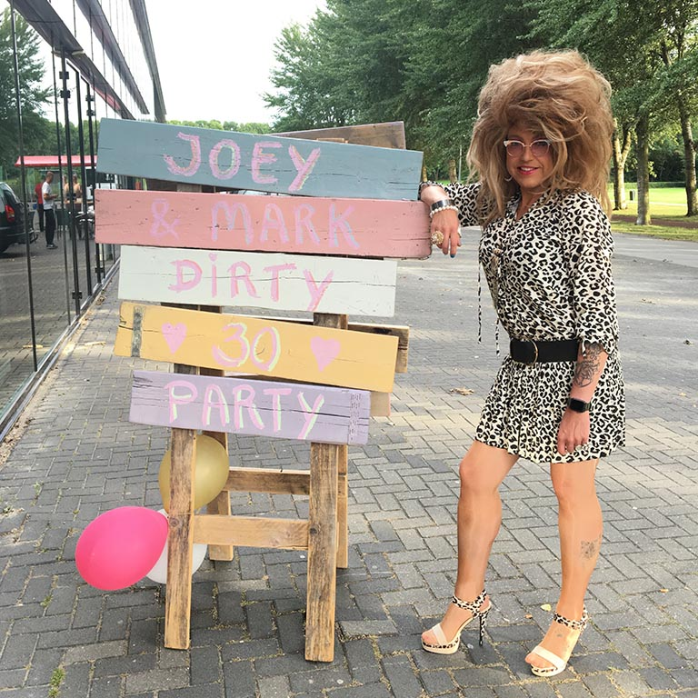 Vrijgezellen feest Nederland travestiet